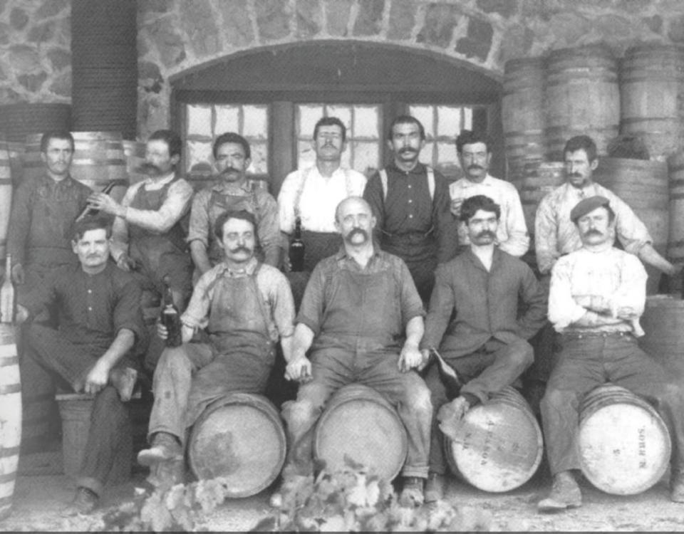Lavoratori piemontesi dell'Italian Vineyard Company, California (Cal Poly Pomona, University Library Special Collections)