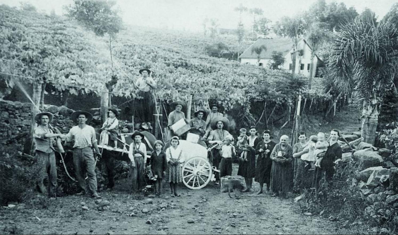 igneti realizzati da immigati italiani sulla Linha Leopoldina, Vale dos Vinhedos, Bento Gonçalves, Brasile, 1941 (Archivio di Pedro Carraro)