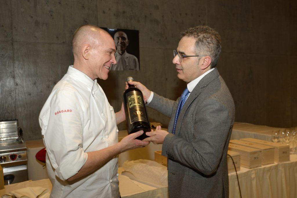 Luca Cuzziol con Lionello Cera, chef de Antica Osteria da Cera – Lughetto di Campania Lupia (VE)
