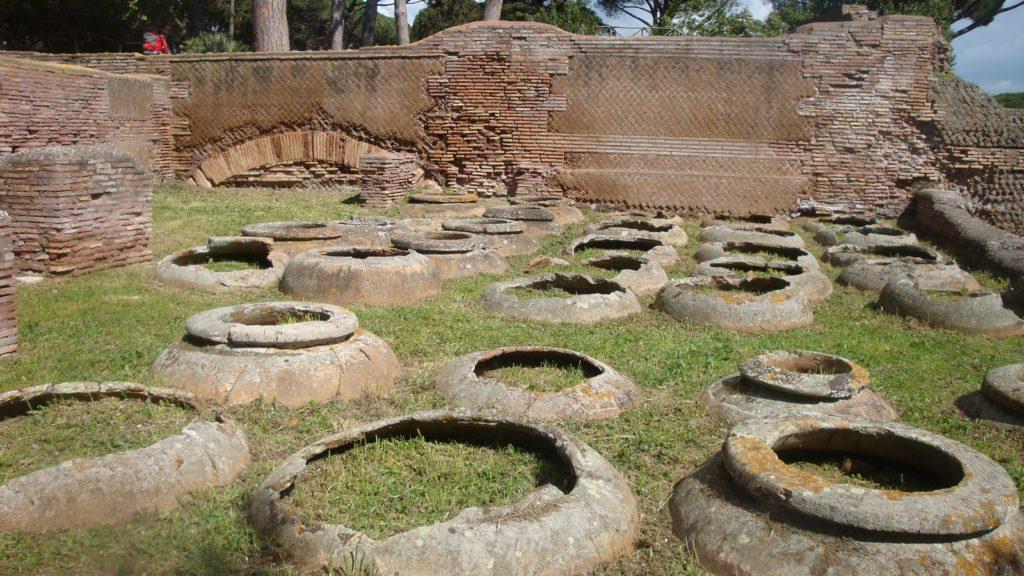 doli interrati ad Ostia antica