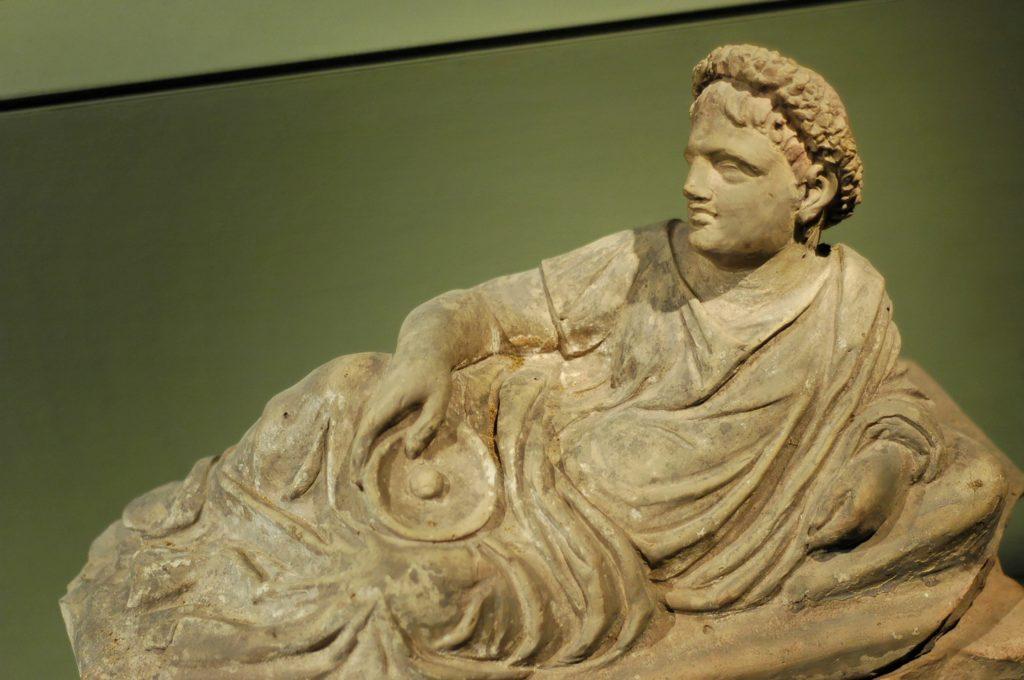 Etruscan_sarcophagus_SMS_n1